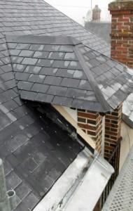 Reprise complète d'une toiture en ardoises naturelles